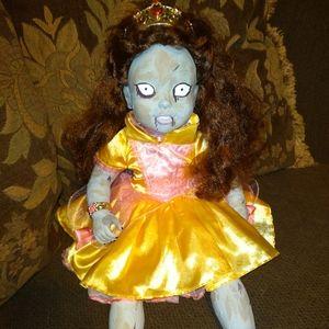 Belle as a zombie. 👍 Custom Art Doll